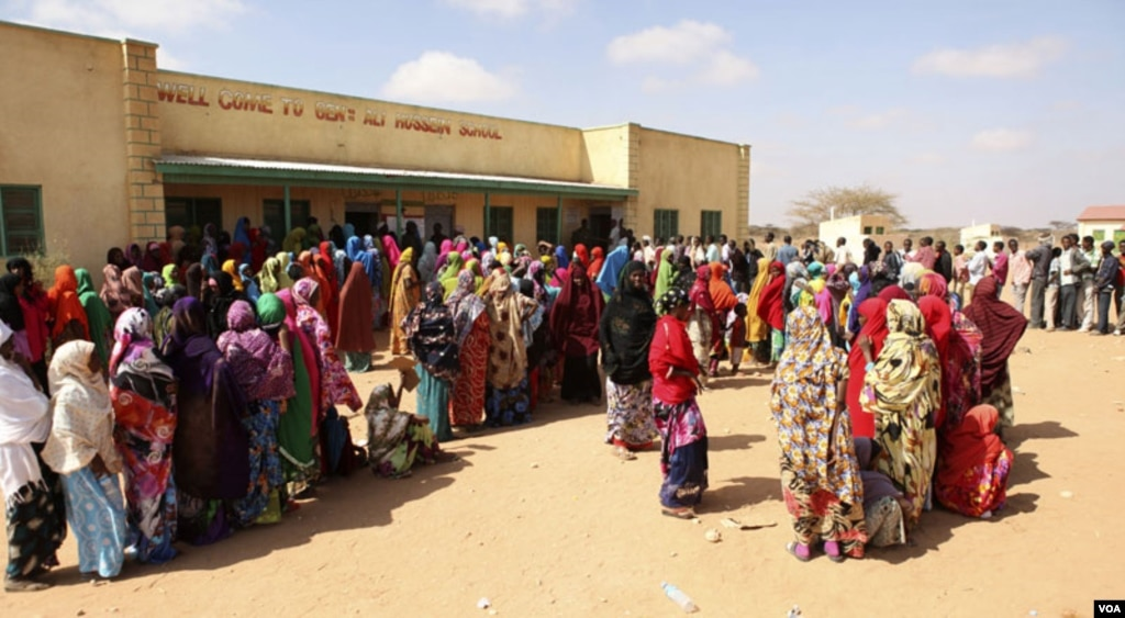 Long queues of voters in Somaliland municipal elections, Nov. 28, 2012. Credit: Kate Stanworth