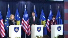 Clinton: Dialogu, thelbësor për Kosovën dhe Serbinë