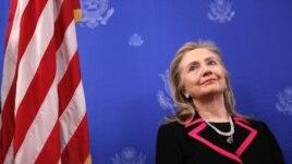 Sek. Klinton nën kujdes shëndetësor në shtëpi
