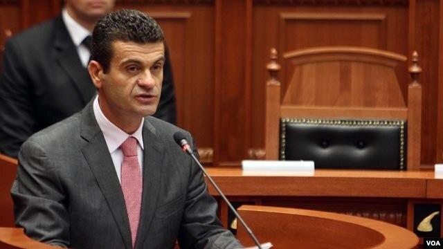 Sesioni i ri parlamentar rinis me polemikat për imunitetet