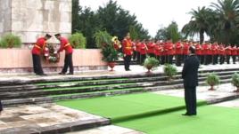 Presidenti Nishani nderon çlirimin e Shqipërisë